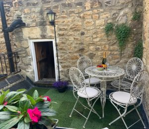 250 yr Stone Cottage (18)
