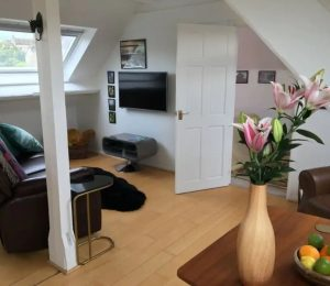 A Private Cotswold Getaway_Open Plan Loft (1)
